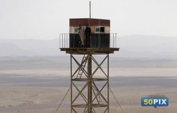 برج مراقبه علي الحدود المصريه
