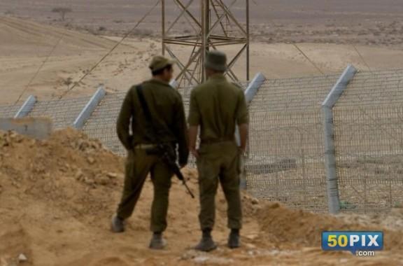 جنود اسرائيليون علي الحدود